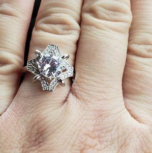 Gorgeous fashion ring